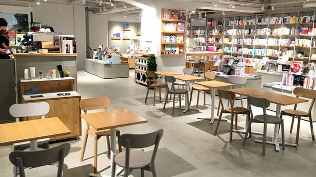 BOOK LAB TOKYO  渋谷の大きい本屋 室内